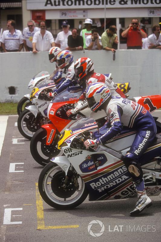 Start zum GP Malaysia 1992 in Shah Alam: Mick Doohan, Wayne Rainey, Daryl Beattie