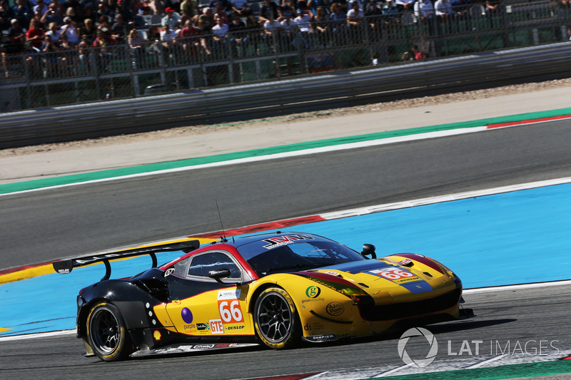 #66 JMW Motorsport, Ferrari F458 Italia: Robert Smith, Jody Fannin, James Dayson