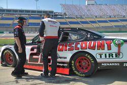Paul Menard, Team Penske, Ford Mustang Discount Tire