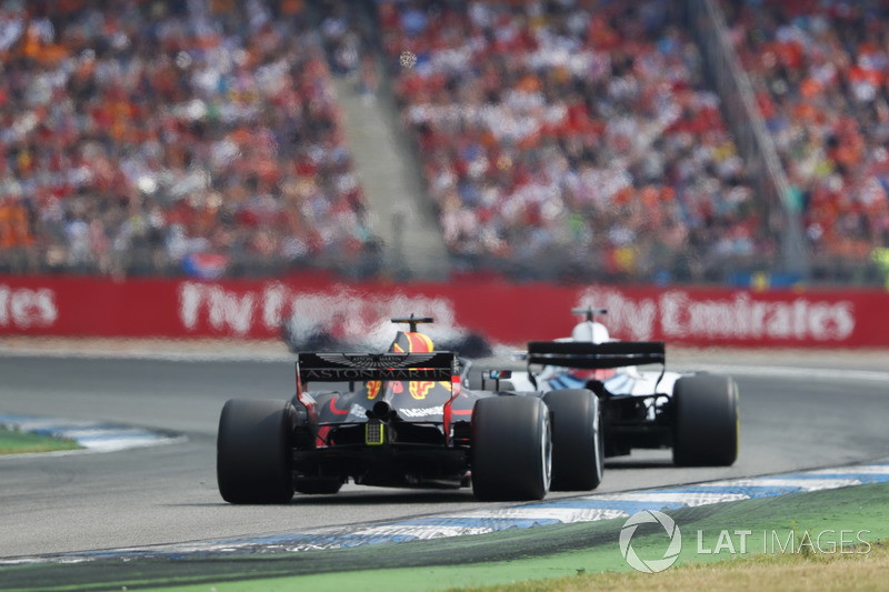 Лэнс Стролл, Williams FW41, и Даниэль Риккардо, Red Bull Racing RB14