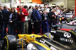 Bij F1 Racing op de beurs