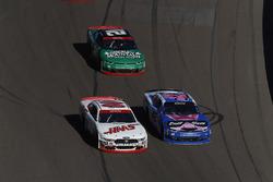 Cole Custer, Stewart-Haas Racing Ford, Daniel Hemric, Richard Childress Racing Chevrolet