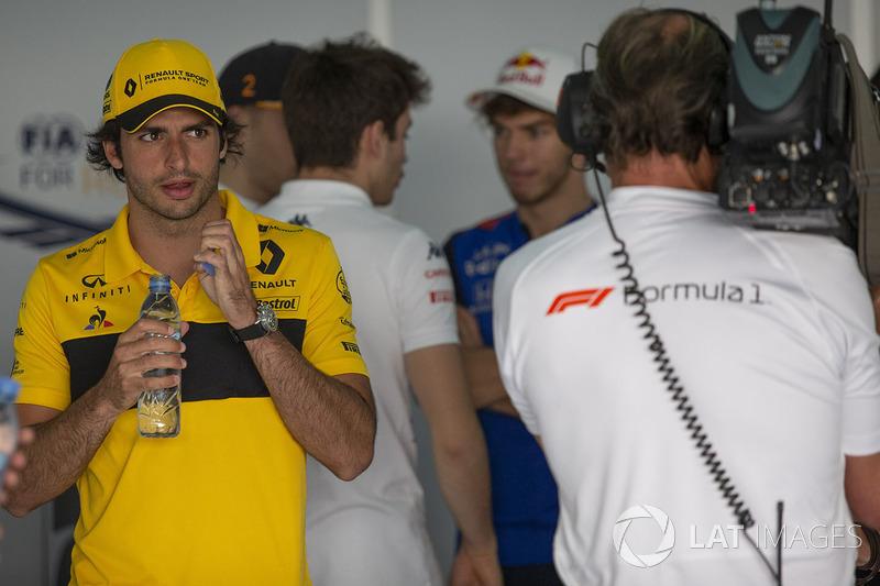 Carlos Sainz Jr., Renault Sport F1 Team en el desfile de pilotos