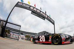 Erik Jones, Joe Gibbs Racing, Toyota Camry Reser's