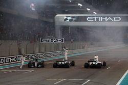 Lewis Hamilton, Mercedes-Benz F1 W08 . Valtteri Bottas, Mercedes-Benz F1 W08 and Felipe Massa, Will