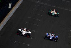 Ориоль Сервия, Scuderia Corsa with RLL Honda, и Стефан Уилсон, Andretti Autosport Honda