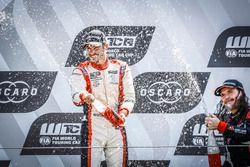 Podyum: Yarışın kazananı Aurélien Comte, DG Sport Competition Peugeot 308TCR