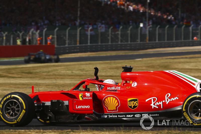 Vettel en Ferrari vieren de zege