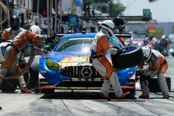 #75 SunEnergy1 Racing Mercedes AMG GT3, GTD: Kenny Habul, Thomas Jäger, Mikael Grenier pit stop