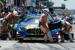#75 SunEnergy1 Racing Mercedes AMG GT3, GTD: Kenny Habul, Thomas Jäger, Mikael Grenier pit stop