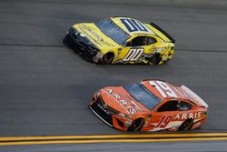 Daniel Suarez, Joe Gibbs Racing, Toyota Camry ARRIS Joey Gase, StarCom Racing, Chevrolet Camaro Sparks Inc.