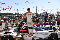 #54 CORE autosport ORECA LMP2, P: Jon Bennett, Colin Braun nella Victory Lane