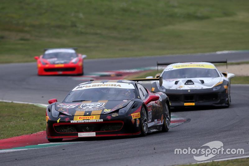 #812 Cornes Osaka Ferrari 458: Sky Chen