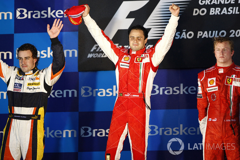 2008. Інтерлагос. Подіум: 1. Феліпе Масса, Ferrari. 2. Фернандо Алонсо, Renault. 3. Кімі Райкконен, Ferrari