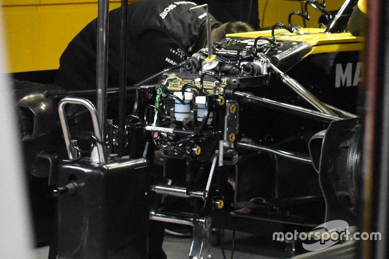 Renault Sport F1 Team R.S. 18, dettaglio della sospensione anteriore
