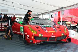 Ferrari 488 GT3 (№64) команды Scuderia Corsa