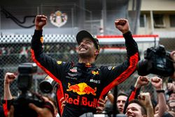 Daniel Ricciardo, Red Bull Racing, celebrates victory