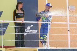 Podium: racewinnaar Marco Melandri