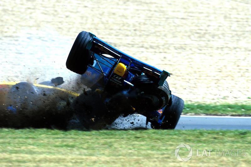 Pedro Diniz, Sauber Petronas C18, crash