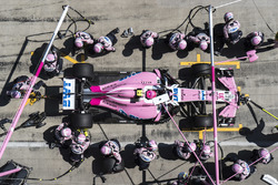 Esteban Ocon, Force India VJM11, in the pits