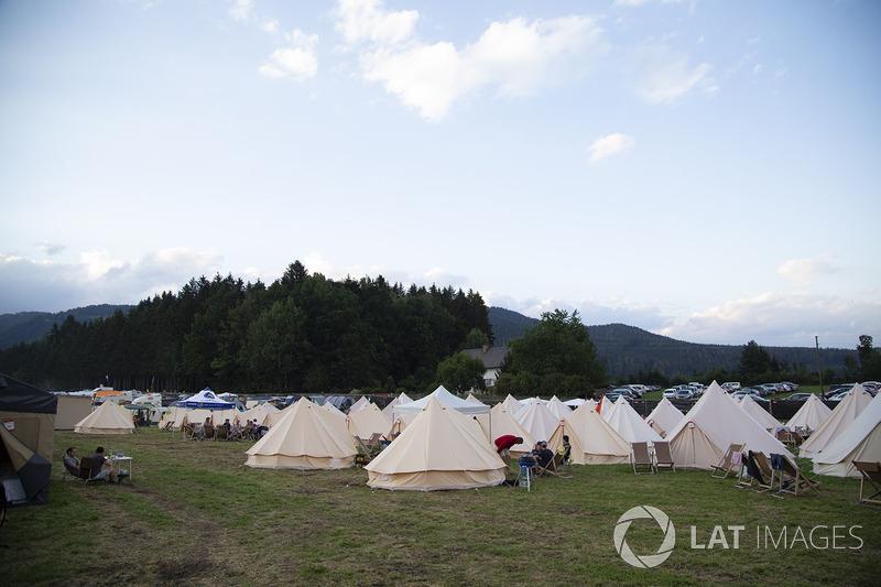 Taraftar kampları