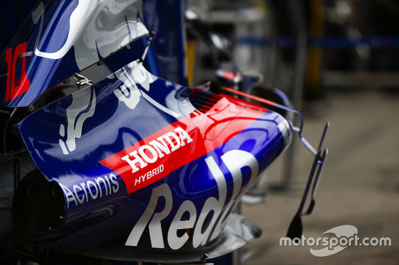 Toro Rosso STR13 bodywork detail
