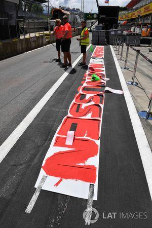 Las marcas de Pit Lane están pintadas