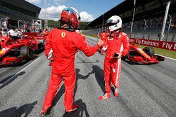 Segundo puesto Kimi Raikkonen, Ferrari, tercer puesto Sebastian Vettel, Ferrari
