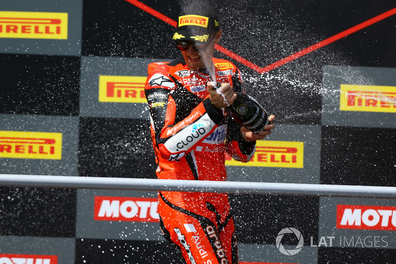 Podium: Chaz Davies, Aruba.it Racing-Ducati SBK Team