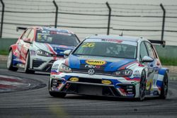 #26 Volkswagen Golf GTI TCR, TeamWork Motorsport
