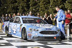 1. Kevin Harvick, Stewart-Haas Racing, Ford Fusion Busch Light