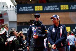 Daniel Ricciardo, Red Bull Racing et Sergio Perez, Force India lors de la parade des pilotes