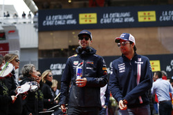 Daniel Ricciardo, Red Bull Racing and Sergio Perez, Force India on the drivers parade