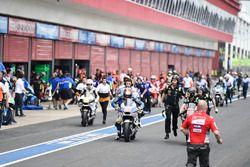 MotoGP-Bikes in der Boxengasse