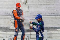 Ryan Hunter-Reay, Andretti Autosport Honda, Scott Dixon, Chip Ganassi Racing Honda, Alexander Rossi, Andretti Autosport Honda, podium, champagne