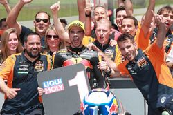Le vainqueur Miguel Oliveira, Red Bull KTM Ajo Moto2