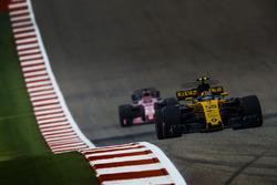 Carlos Sainz Jr., Renault Sport F1 Team RS17, Sergio Perez, Sahara Force India F1 VJM10