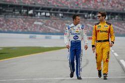 Эй-Джей Алмендингер, JTG Daugherty Racing Chevrolet и Лэндон Кэссилл, Front Row Motorsports Ford
