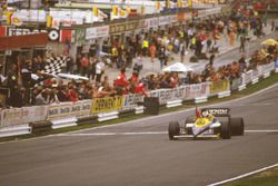 Race winner Nigel Mansell, Williams FW10 Honda