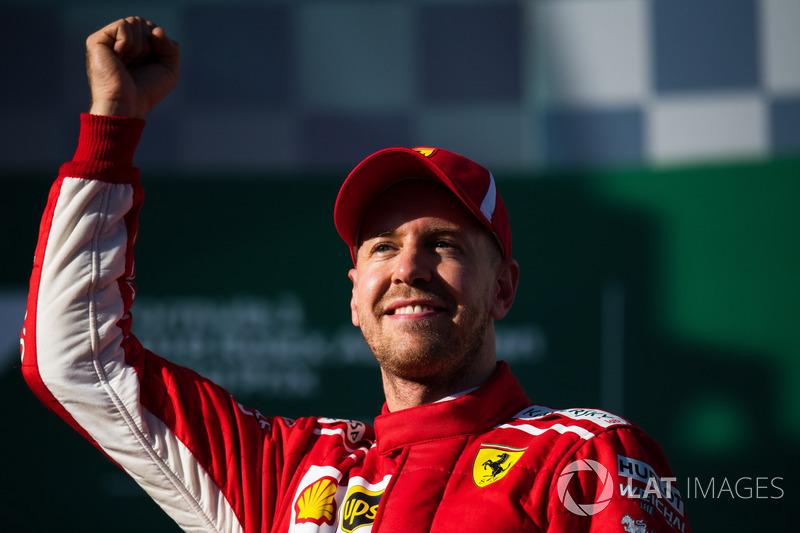 """Sebastian Vettel: """"Obviamente fomos um pouco sortudos. Lewis teve uma ótima volta ontem [sábado], mas aceitamos. Não estamos onde queremos estar e ainda não cheguei lá com o carro, mas acho que isso nos dá um bom começo e uma motivação para as próximas sem"""