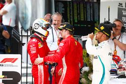 Race winner Sebastian Vettel, Ferrari, Inaki Rueda, Race Strategist, Ferrari, Kimi Raikkonen, Ferrar
