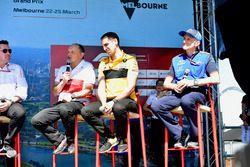 Frederic Vasseur, Sauber, Team Principal, Cyril Abiteboul, Renault Sport F1 Managing Director and Fr