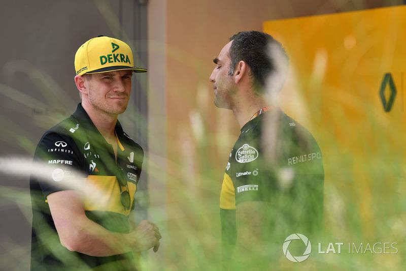 Nico Hulkenberg, Renault Sport F1 Team dan Cyril Abiteboul, Managing Director Renault Sport F1
