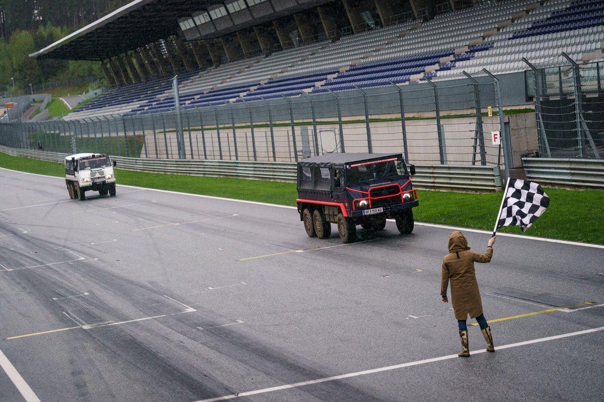 Max Verstappen, Sergio Perez, Red Bull Racing, Yuki Tsunoda y Pierre Gasly, AlphaTauri