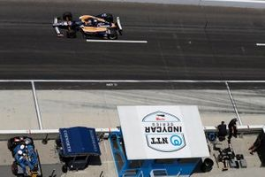 NTT Performance Pit, Takuma Sato, Rahal Letterman Lanigan Racing Honda