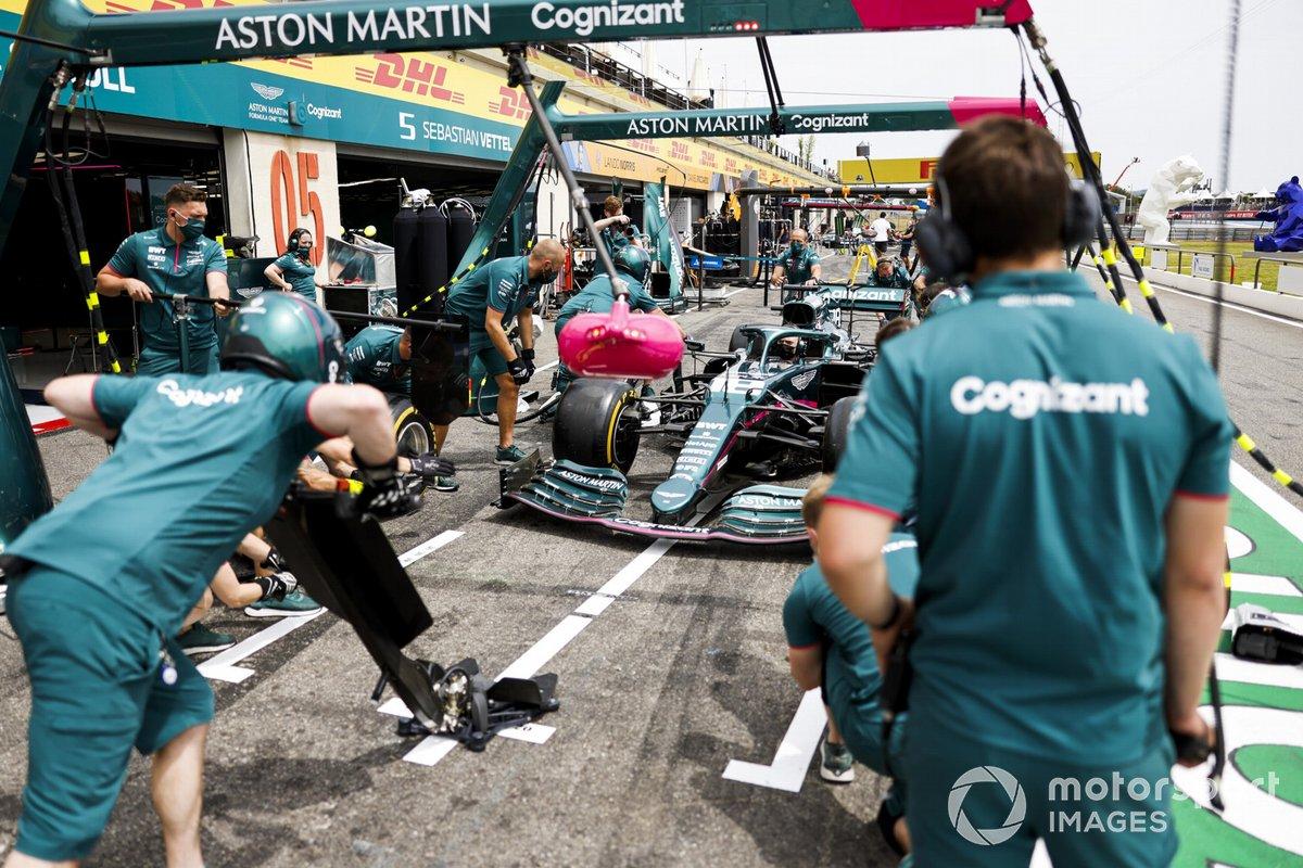Práctica de pit stop de Aston Martin