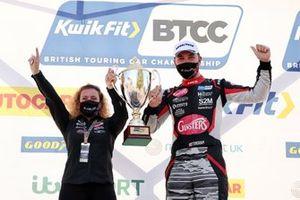 Justina Williams and Tom Ingram, Excelr8 Trade Price Cars Hyundai i30 Fastback N Performance