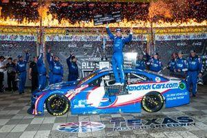 Kyle Larson, Hendrick Motorsports, Chevrolet Camaro HendrickCars.com wins the All-Star Race and $1 million