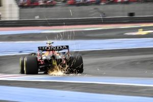 Sparks fly from Sergio Perez, Red Bull Racing RB16B