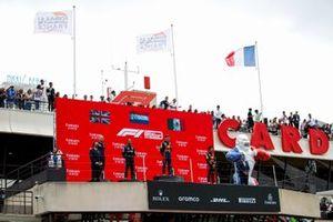 Gianpiero Lambiase, Race Engineer, Red Bull Racing, Lewis Hamilton, Mercedes, 2nd position, Max Verstappen, Red Bull Racing, 1st position, and Sergio Perez, Red Bull Racing, 3rd position, on the podium